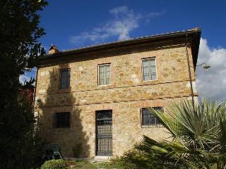 Nice Condo with Parking and Washing Machine - San Quirico d'Orcia vacation rentals