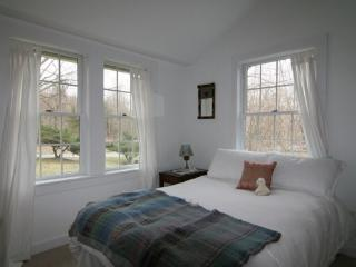 Streamside Cottage in Dutchess County - Clinton Corners vacation rentals