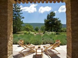 Perfect House with Internet Access and Dishwasher - Lacoste vacation rentals