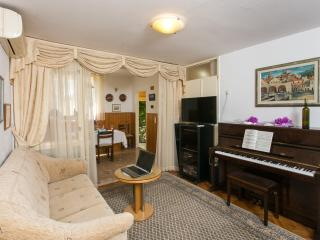 2 bedroom Apartment with Internet Access in Dubrovnik - Dubrovnik vacation rentals