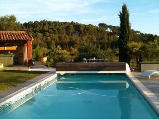 Chalet en provence avec piscine - Rognes vacation rentals
