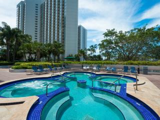 Heart's DESIRE & PERFECT for FAMILIES: 2 Bedroom Suite at The Grand!! - Coconut Grove vacation rentals