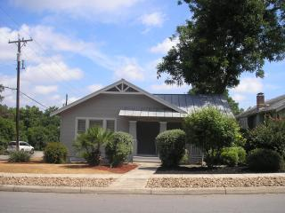 Spacious 3 bed located in the center of everything - San Antonio vacation rentals