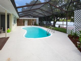 Pool home with water views on Florida's west coast - Holiday vacation rentals