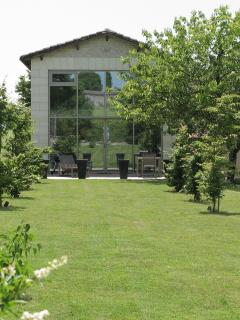Modern Barn Conversion with large landscaped pool - Cognac vacation rentals