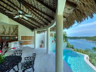 Comfortable Villa with Internet Access and Dishwasher - Huatulco vacation rentals