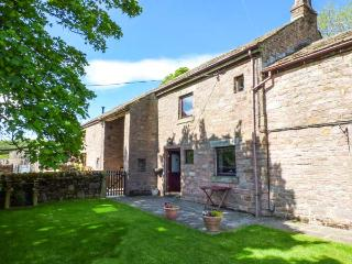 THE STABLE, semi-detached, open fire, WiFi, off road parking, garden, in Combs, Ref 917909 - Combs vacation rentals