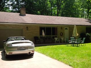 Two Sisters Cottage, Southcott Pines - Grand Bend vacation rentals