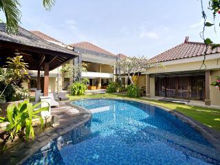 Luxury 10  / 5 bed Villa ,Seminyak, 5 Min to beach - Seminyak vacation rentals