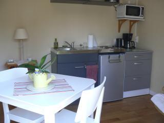 Romantic 1 bedroom Criel-sur-Mer Gite with Internet Access - Criel-sur-Mer vacation rentals