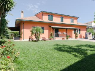 Borgo Dragani vicino al mare - 5 OSPITI - Ortona vacation rentals
