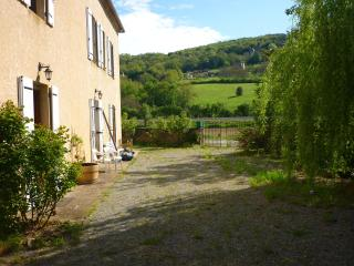 Nice Bed and Breakfast with Internet Access and Short Breaks Allowed - Bezenac vacation rentals