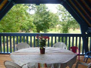 Romantic 1 bedroom Clohars-Carnoet Guest house with Internet Access - Clohars-Carnoet vacation rentals