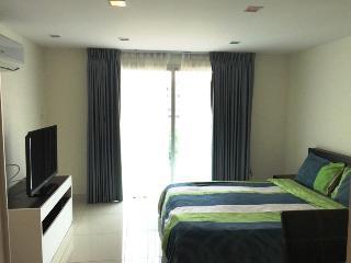 Studio apartment in Laguna Bay 1 condominium - Pattaya vacation rentals