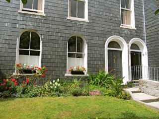 Stylish Period 3 bed with Parking in City Centre - Plymouth vacation rentals