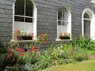 Stylish Garden Getaway with Parking in City Centre - Plymouth vacation rentals