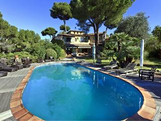 Lovely Villa with Internet Access and Dishwasher - Antibes vacation rentals