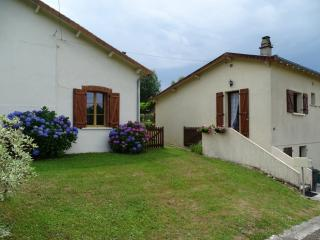 2 bedroom House with Satellite Or Cable TV in Bussiere-Poitevine - Bussiere-Poitevine vacation rentals