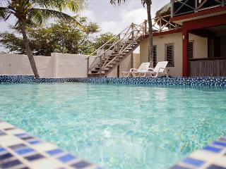 Sweet Oceanfront villa at Spanish Water - Willemstad vacation rentals