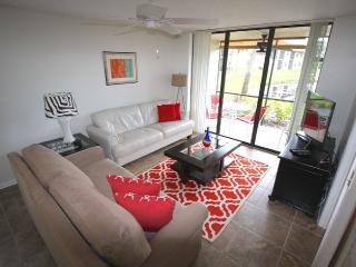 Superior Condo, Pools, Tennis, Wifi, Near Img - Bradenton vacation rentals
