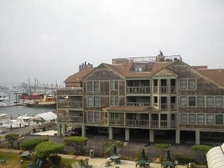Newport Onshore Wellington Long Wharf Waterfront - Newport vacation rentals