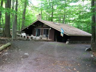 Pocono 's LLV is a wooded resort community - Pocono Lake vacation rentals