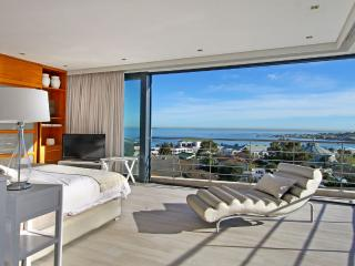 Contemporary 5-Star Villa in Camps Bay - Geneva Gem - Camps Bay vacation rentals
