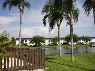 Surround Yourself with Wildlife on Lake McGregor - Fort Myers vacation rentals