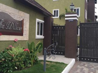 2 bedroom Condo with Internet Access in Kingston - Kingston vacation rentals
