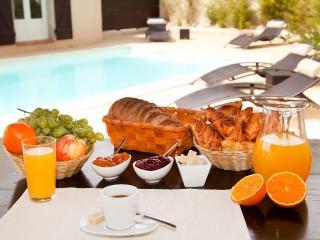 Villa 100 m2 piscine, jardin privée. Plages à 700m - Carry-le-Rouet vacation rentals