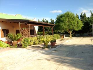 5 bedroom Bed and Breakfast with Deck in San Cataldo - San Cataldo vacation rentals