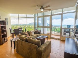 Coronado Golf 2-bdrm - 14th Floor Beauty - Coronado vacation rentals