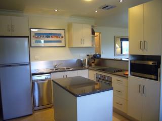 4 bedroom House with Dishwasher in Bridport - Bridport vacation rentals