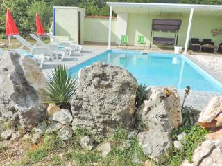 Nice 4 bedroom Dugopolje Villa with Internet Access - Dugopolje vacation rentals