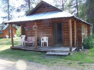 Swan Valley Centre Cabins - Doc's Log - Condon vacation rentals