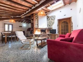Nice Townhouse with Internet Access and Short Breaks Allowed - Lustignano vacation rentals