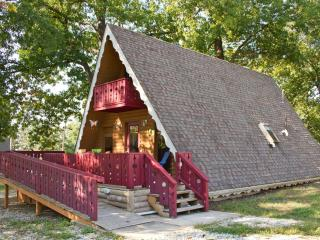 Fairytale Cottage near Branson, Missouri USA - Forsyth vacation rentals