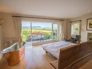 Perfect 9 bedroom Cockermouth House with Satellite Or Cable TV - Cockermouth vacation rentals