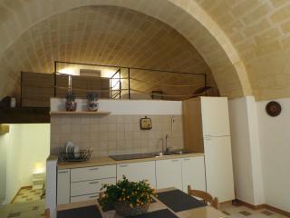 """Casa vacanza """"L'antico Fontanino"""" - Montescaglioso vacation rentals"""