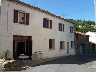 Nice Gite with Television and Microwave - Olargues vacation rentals