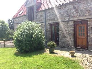 2 bedroom Gite with Satellite Or Cable TV in Le Neufbourg - Le Neufbourg vacation rentals
