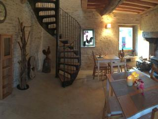 Bright 3 bedroom Bed and Breakfast in Vézelay - Vézelay vacation rentals