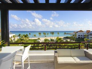 Beach Condo 3-Bedroom with Jaccuzzi and Sea View! - Punta Cana vacation rentals
