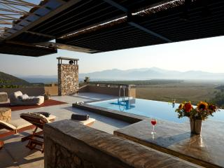 Welcome to villamarathon! the best relaxing place! - Marathon vacation rentals