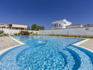 Apartment in residence with pool near Gallipoli - Santa Maria al Bagno vacation rentals