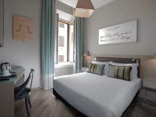 Comfortable 4 bedroom Guest house in Rome - Rome vacation rentals