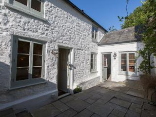 """Bellas Mouse"" - Listed Cottage & Annex. Sleeps 7. - Penryn vacation rentals"