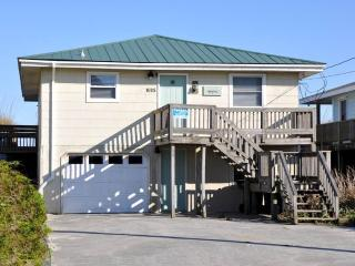 2 bedroom House with Porch in Topsail Beach - Topsail Beach vacation rentals
