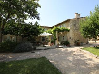 Saint Remy Provence Villa - Saint Etienne du Gres vacation rentals