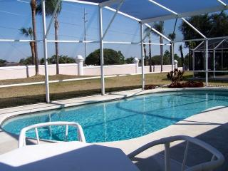 3 bedroom pool home near Disney - Davenport vacation rentals